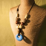 Natural, symmetrical, with Blue Round Silicone Pendant
